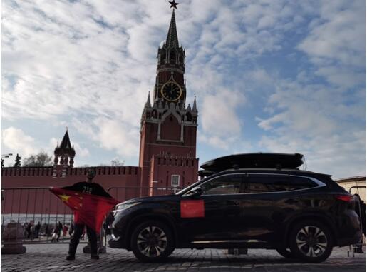 自驾星途穿越俄罗斯 中国小伙战斗民族旅行记