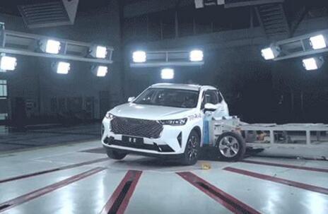 第三代哈弗H6 C-NCAP碰撞测试翻车侧气囊和车门无法打开